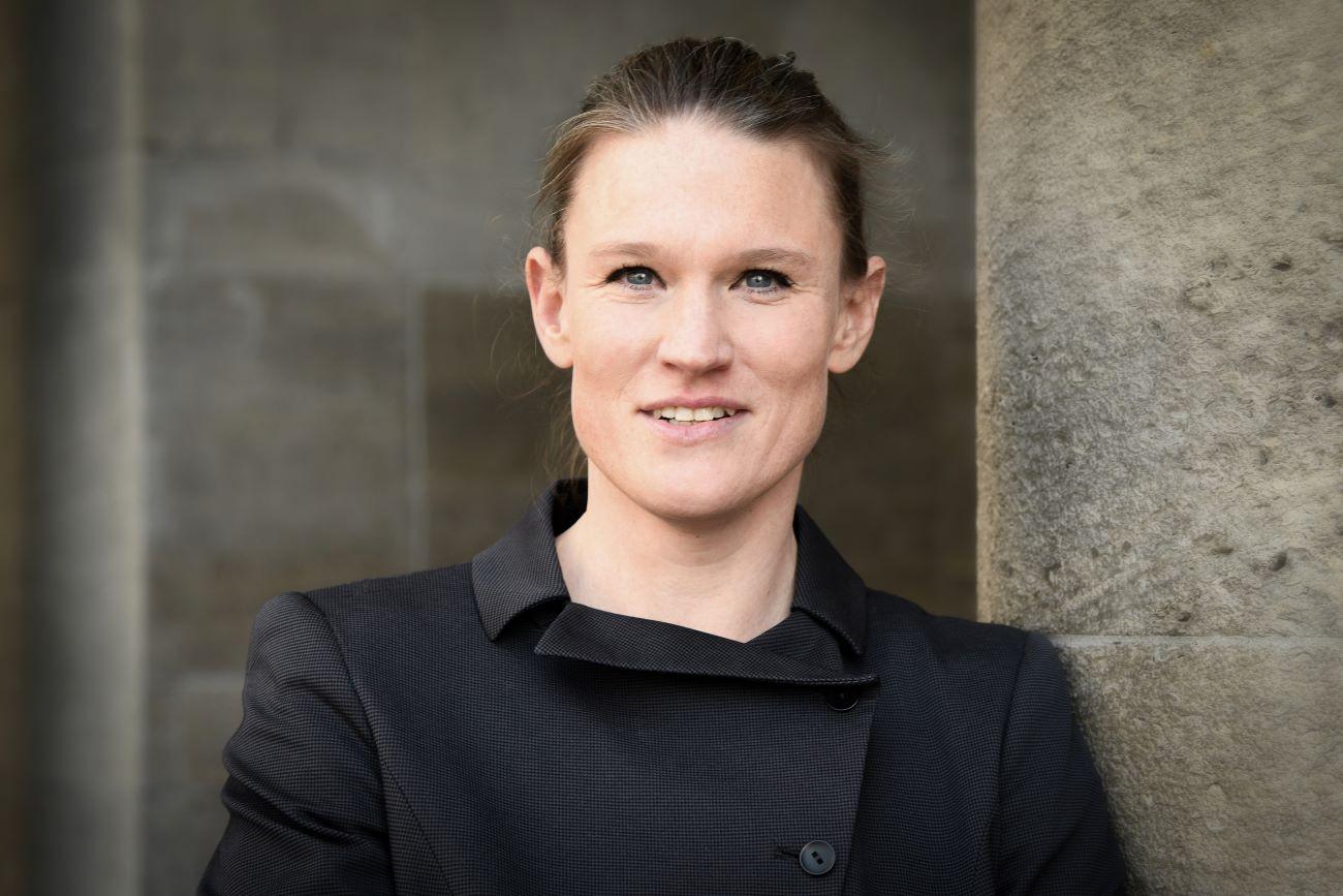 Porträt Kirsten Arp