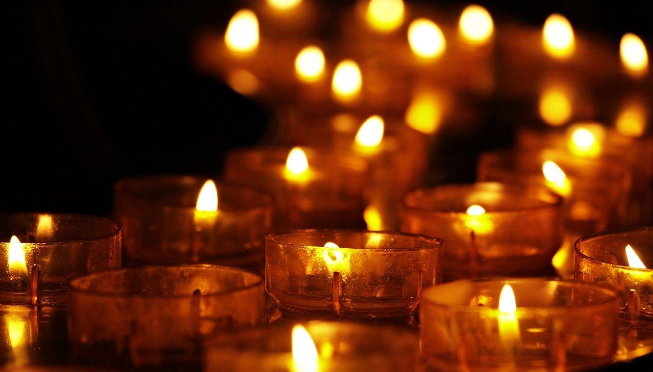 tea-lights-3612508_1280_pixabay